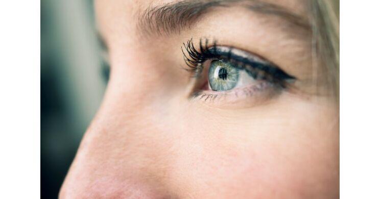 ízületi fájdalom vörös szem